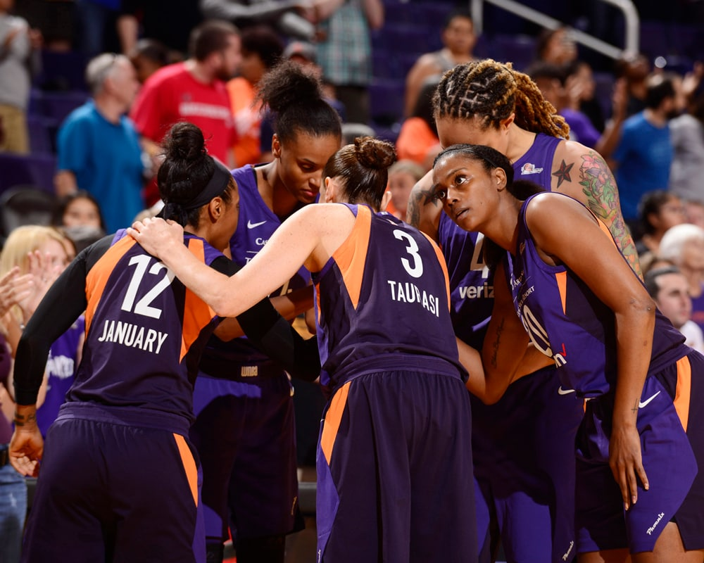 Mercury players huddle up