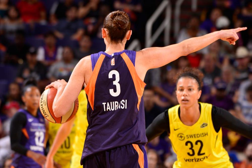 Diana Taurasi calls a play directs teammates
