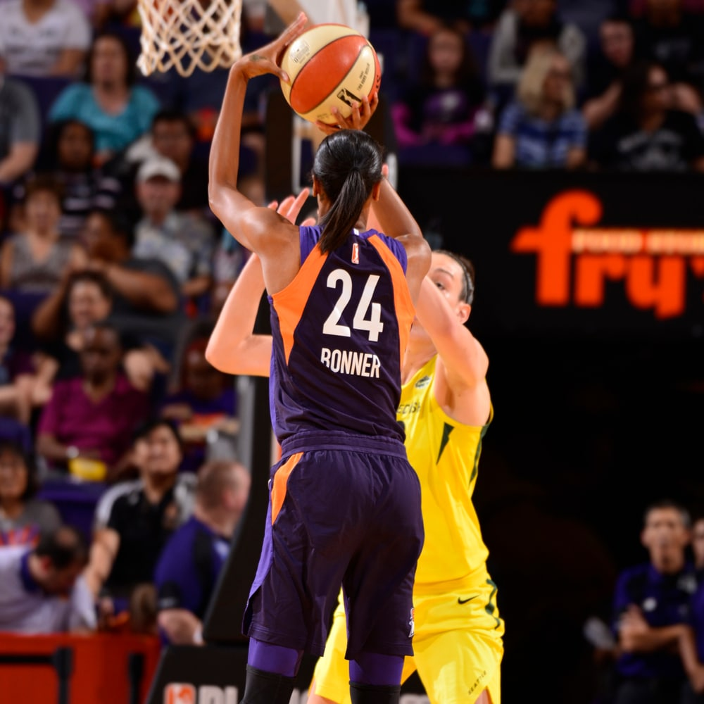 DeWanna Bonner shoots from deep