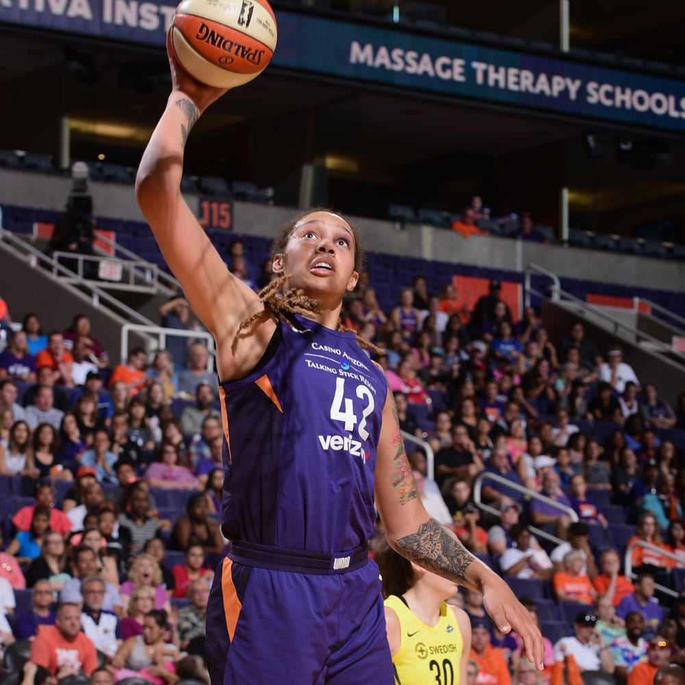 brittney griner wide-open shot