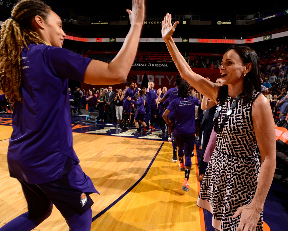 Head Coach Sandy Brondello and Brittney Griner high-five