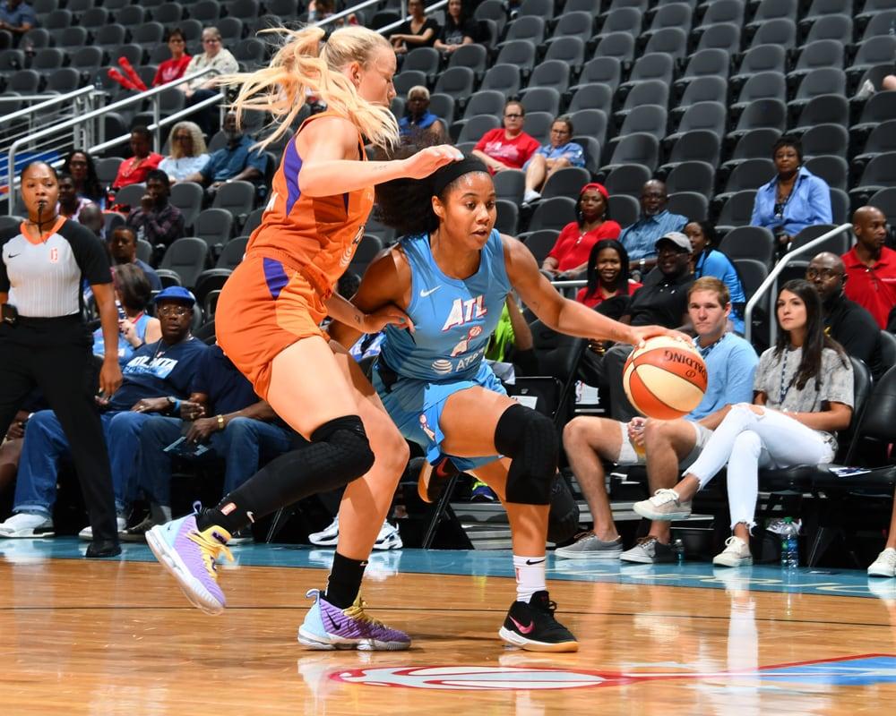 Sophie Cunningham on defense