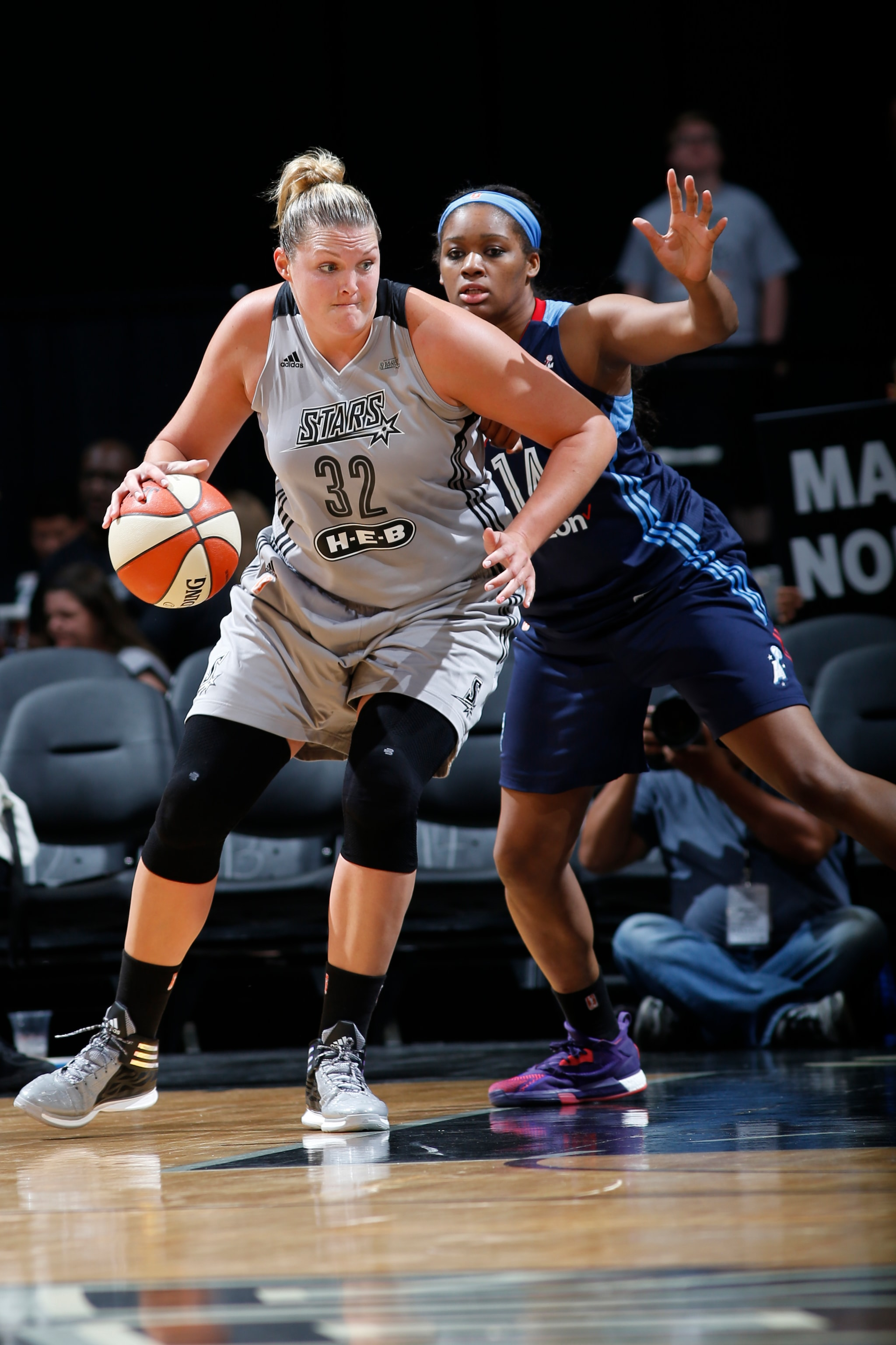 SAN ANTONIO, TX - MAY 14: Jayne Appel-Marinelli #32 of the San Antonio Stars drives to the basket against the Atlanta Dream during the game on May 14, 2016 at AT&T Center in San Antonio, Texas. NOTE TO USER: User expressly acknowledges and agrees that, by downloading and or using this Photograph, user is consenting to the terms and conditions of the Getty Images License Agreement. Mandatory Copyright Notice: Copyright 2016 NBAE (Photo by Chris Covatta/NBAE via Getty Images)