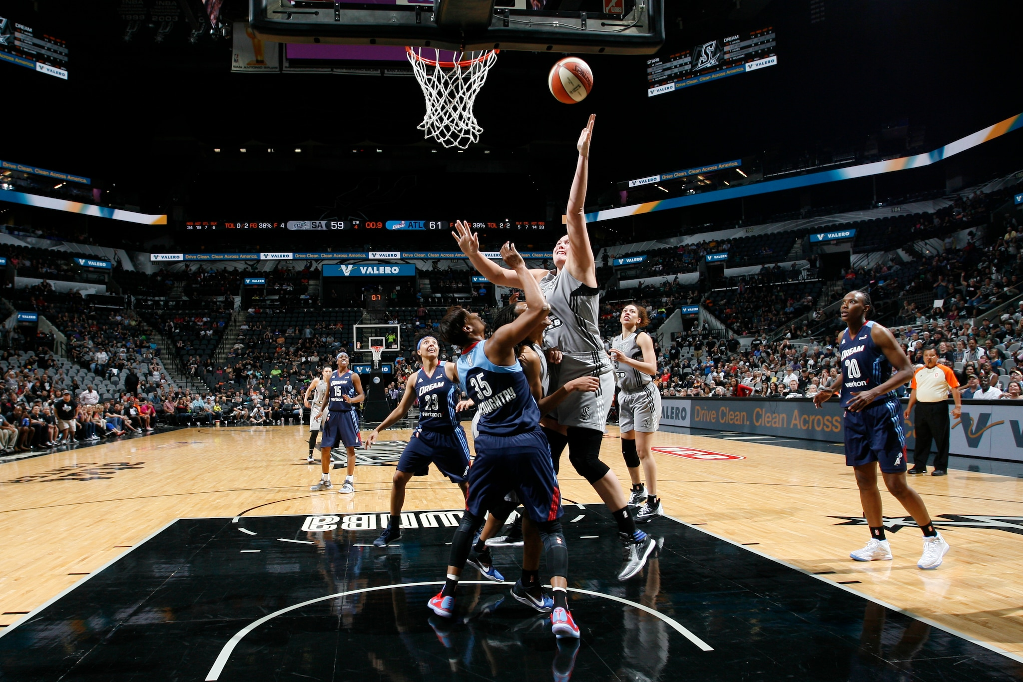 SAN ANTONIO, TX - MAY 14: Jayne Appel-Marinelli #32 of the San Antonio Stars shoots against the Atlanta Dream during the game on May 14, 2016 at AT&T Center in San Antonio, Texas. NOTE TO USER: User expressly acknowledges and agrees that, by downloading and or using this Photograph, user is consenting to the terms and conditions of the Getty Images License Agreement. Mandatory Copyright Notice: Copyright 2016 NBAE (Photo by Chris Covatta/NBAE via Getty Images)