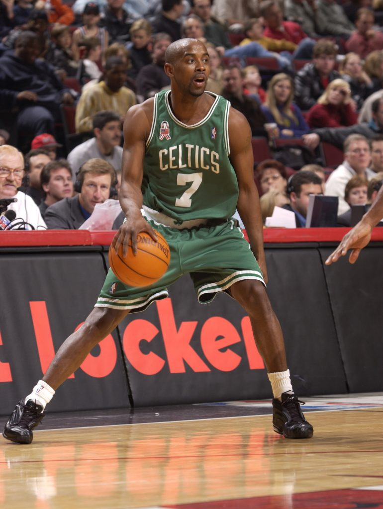 08 Dec 2001: Kenny Anderson #7 of the Boston Celtics dribbles against the Chicago Bulls in a game at the United Center in Chicago, Illinois. DIGITAL IMAGE NOTE TO USER: User expressly acknowledges and agrees that, by downloading and/or using this Photograph, user is consenting to the terms and conditions of the Getty Images License Agreement. Mandatory copyright notice: Copyright 2001 NBAE. Mandatory credit: Fernando Medina/NBAE/Getty Images
