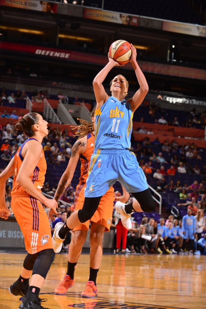 PHOENIX, AZ - JUNE 12: Elena Delle Donne #11 of the Chicago Sky shoots against the Phoenix Mercuryduring the game on June 12, 2016 at Talking Stick Resort Arena in Phoenix, Arizona. NOTE TO USER: User expressly acknowledges and agrees that, by downloading and or using this Photograph, user is consenting to the terms and conditions of the Getty Images License Agreement. Mandatory Copyright Notice: Copyright 2016 NBAE (Photo by Barry Gossage/NBAE via Getty Images)
