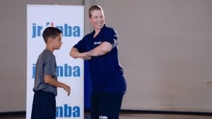 Watch WNBA legend Katie Smith break down the fundamentals of the screen and how to use it to help your teammates get open.