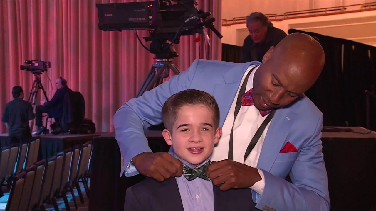 Jr. NBA Reporter Max Bonnstetter Gets Some Bow Tie Assistance