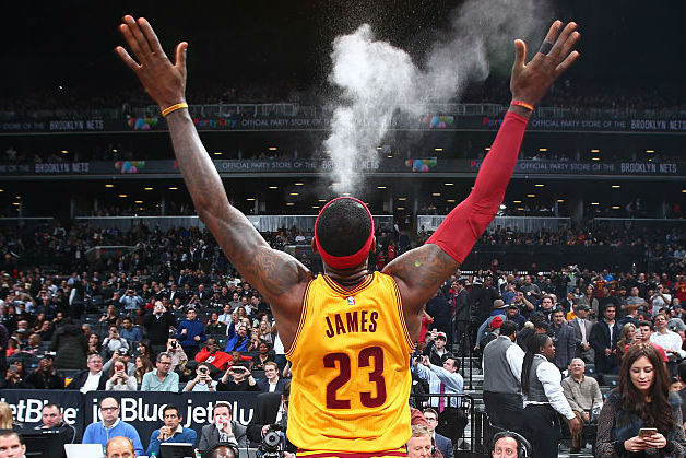 A Ritual That Captivates Cleveland – The Chalk Toss
