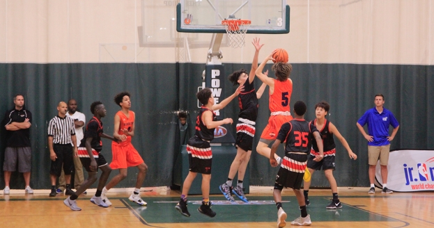 Brian Grant, Cherokee Parks, Bracket Play Shine on Jam Packed Northwest Day 2