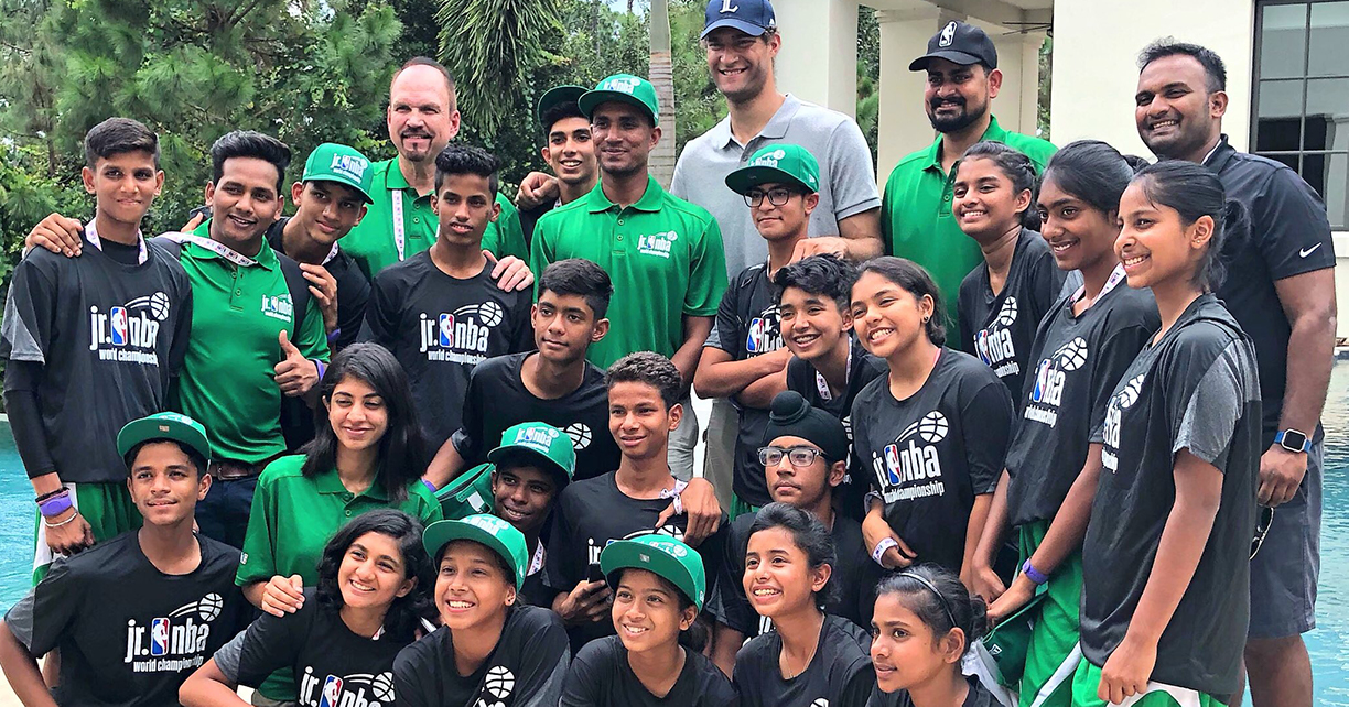 Brook Lopez Hosts India Teams for Lunch