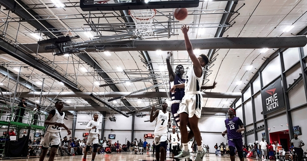 South Regional Play Begins with Dunks and NBA Stars